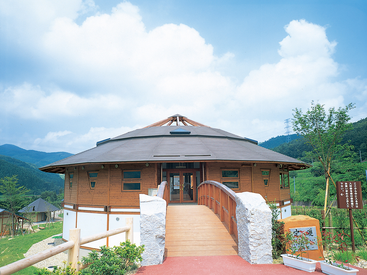 Yajiro Kokeshi Village_4