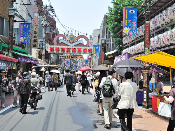 Sugamo Jizo-dori Street